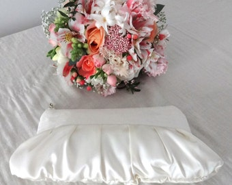 Satin wedding clutch, bridal clutch, romantic clutch, hollywood clutch, bridesmaid gift ivory pearl white cream glamour 30s 40s retro