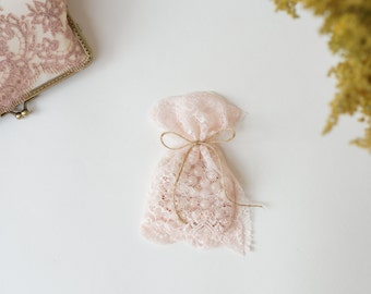 Rose Quartz Pink lace wedding favor bag / vintage style wedding favor rustic wedding favor/barn weddings/beach weddings/baby shower /LAST 10