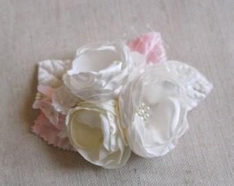 Bridal Headpiece, Vintage Style Wedding Hair Accessory, Petite Bouquet Hair Clip, Bridal Flower Clip, Fascinator, Ivory, Cream, Blush Pink
