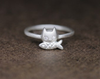SALE- Genuine white diamonds eyed cat Ring in Sterling Silver, Kitty Ring in sterling silver, Fine jewelry Gift for Her