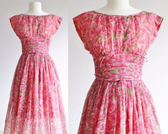 1950s pink floral dress - 50s vintage fit and flare dress - flared full skirt - ruched bodice bows - short sleeve spring - extra small xs s