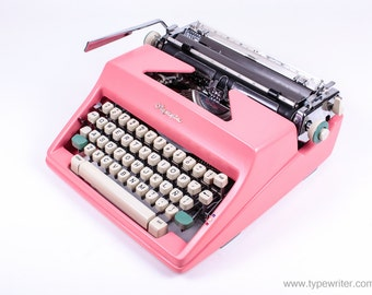Typewriter.Company SALE! The Best Working typewriter - Olympia Monica sm9 - vintage working typewriter - pink typewriter - qwerty