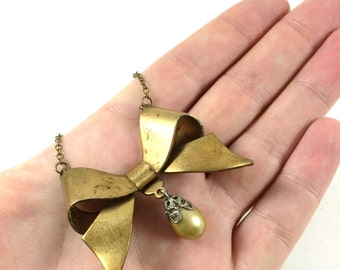 Gold Bow Necklace, Brass Bow Pendant, Bow Jewelry, Steampunk Bow, Steampunk Jewelry, Gifts for Teen Girls, Gifts for Her, Valentine Gift
