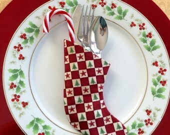 Red Checkerboard Square Pattern Utensil Holder Table Place Setting  - Set of 4