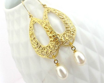 Gold Filigree Earrings/ Gold And Pearl Earrings/ Gold Dangle Earrings/ Bridal Earrings/ Pearl Earrings - White Wedding