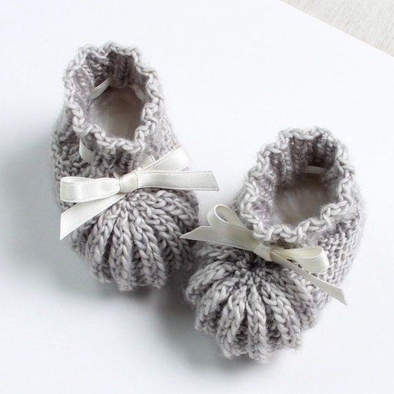 Baby Knitting Patterns With Instructions : Baby Booties / Knitting Pattern Baby Instructions in French