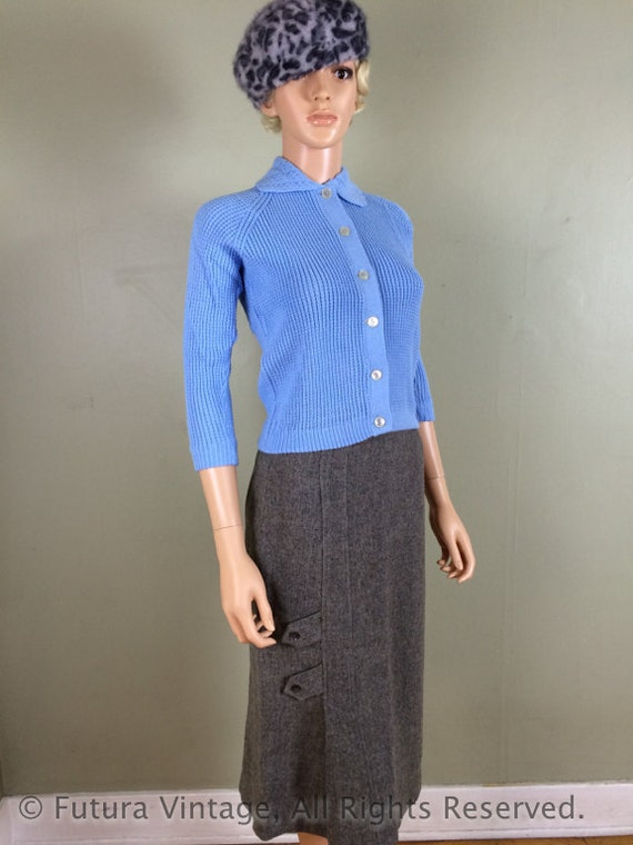 SALE 1950s Smart Looking MAYFAIR Grey High Waisted Fitted Wool Skirt with Unique Design-S