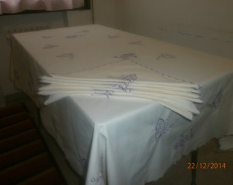 embroidered tablecloth with napkins