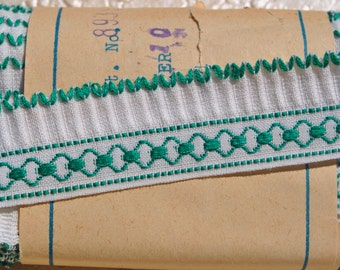 vintage 1950s white green turquoise all cotton woven pleated trim edging 1 meter 22 mm wide
