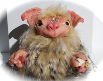 Myrth , a mini troll of the Buggel troll family from the mountains of Norway