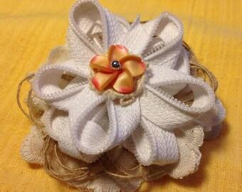 White Zipper flower