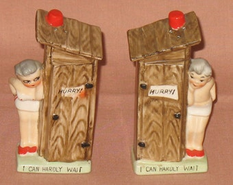 Pair Of Vintage Ceramic Outhouse Salt & Pepper Shakers Man Woman Hurry, I Can Hardly Wait Japan Corks