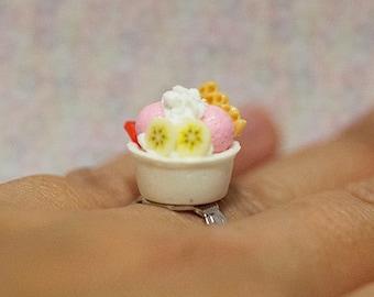Miniature Food Ring Ice Cream Sundae Frozen Yogurt with adjustable ring band