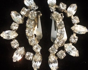 Bright Sparkly Rhinestone Vintage Clip On Earrings - Women's Jewelry