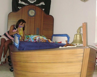 Fantasy bed- Kaidens Dream Pirate Ship Bed