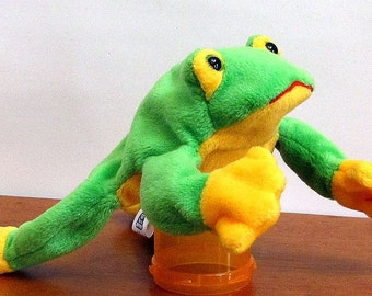 Green Frog Puppet by The Puppet Patch