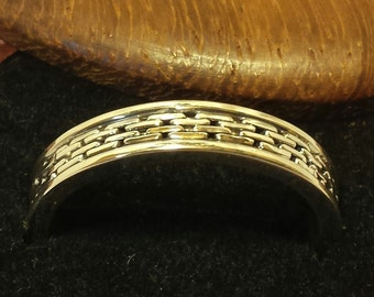 Handmade Sterling Silver Band with Detailed Chain Interior