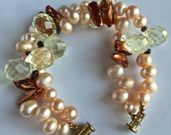 Beaded Bracelet with Biwa pearls, freshwater pearls and Swarovski crystals