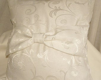 White pillow with Ribbon