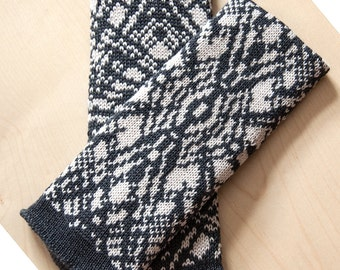 Knitted pulse warmer anthracite / cream patterned