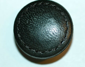 """7/8"""" Black Leather Button w/ Stitched Edge. (23mm)"""