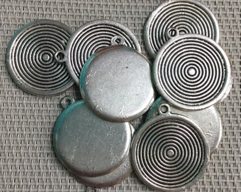 26mm Plaque with Circles