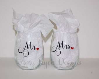 Mr. and Mrs. Stemless Custom Wine Glasses, Mr. and Mrs. Personalized Wine Glasses, Wedding Gift, Bridal Shower Gift, Anniversary Gift