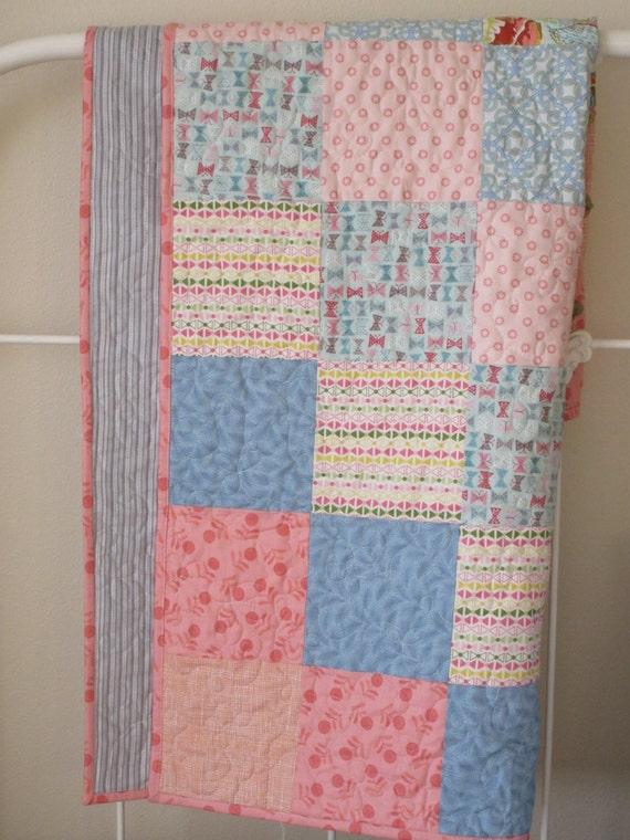 Modern Nursery Quilt Patterns : Modern baby girl quilt