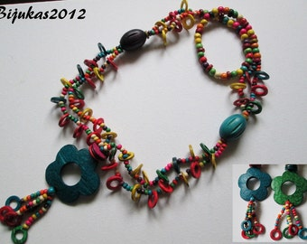ON SALE Colourfull coconut-shell necklace
