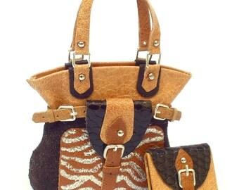 borsa a mano stile safari in pelle ,fatta a mano, scala 1/12, con portafogli abbinato