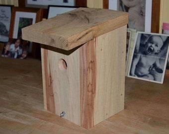 Sturdy Aromatic Cedar Birdhouse with Oak Top