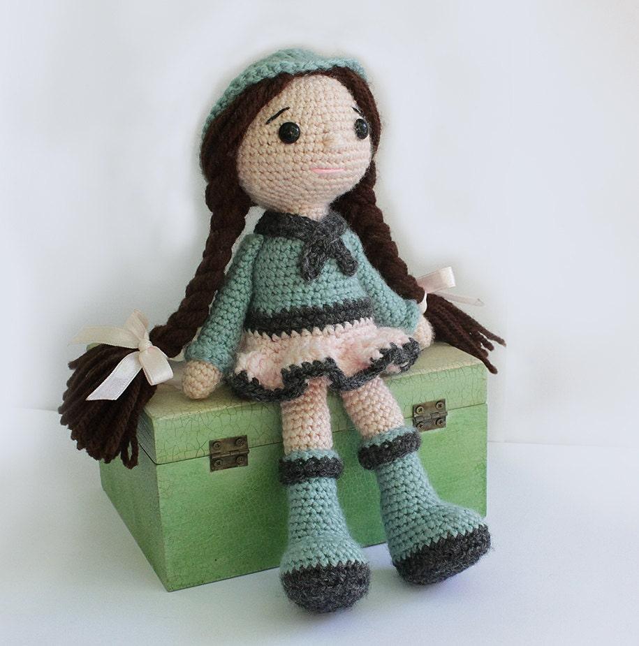 PATTERN : Doll Crochet Pattern Amigurumi Doll Pattern