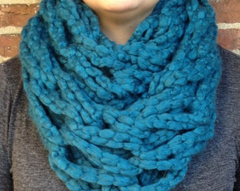 Chunky Pill Infinity Scarf