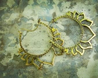 padma earrings in brass