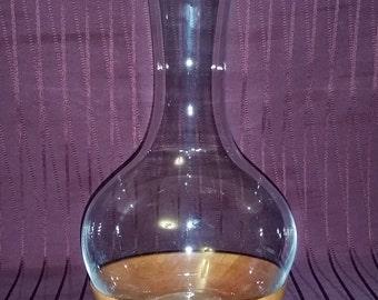 Wine decanter with  custom hardwood base
