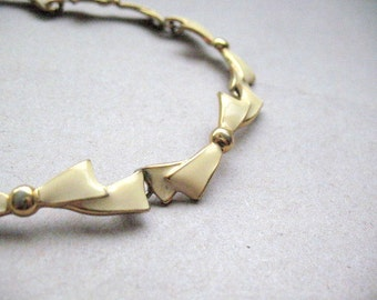 1950s Enamel and Gold Tone Collar Length Necklace - Gold and Cream Bows - Fold-over Clasp - Vintage Costume Jewelry
