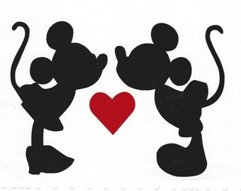 Vinyl decal of Mickey Mouse and Minnie Kissing
