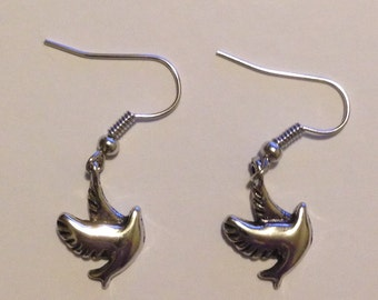 FREE Priority US Shipping! Silver Dove Earrings