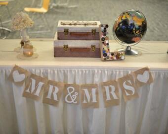 "Burlap Banner - ""Mr & Mrs"""