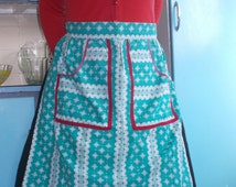 Vintage green and white fair isle half apron