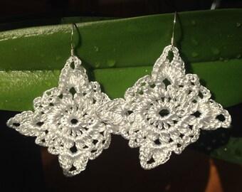Crochet earrings, crochet jewelry, square earrings, Textile jewelry, white, black crochet earrings