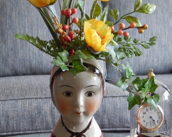 VERSATILE LADY with FLOWERS