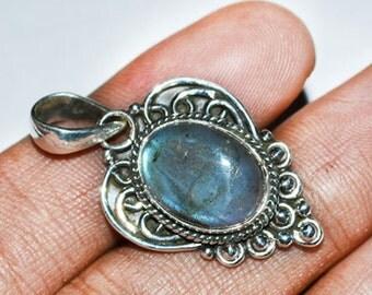 Labradorite Pendant, Gemstone Pendant, Blue Green Flash, 925 Sterling Silver Pendant, Fashion Jewelry
