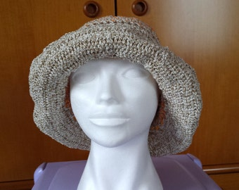 Cotton cap with beige border of flowers