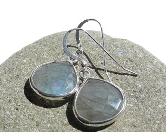 Labradorite Sterling Silver Drop Earrings, Labradorite Earrings, Labradorite Drop Earrings, Labradorite Dangle Earrings