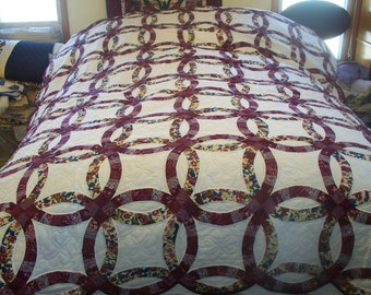 Queen size Double Wedding Ring Quilt in multiple colors