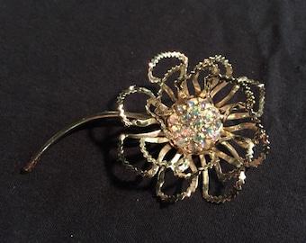 Vintage Sarah Coventry flower rhinestone brooch