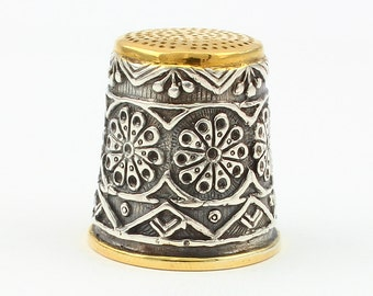 Silver Thimble with Pattern