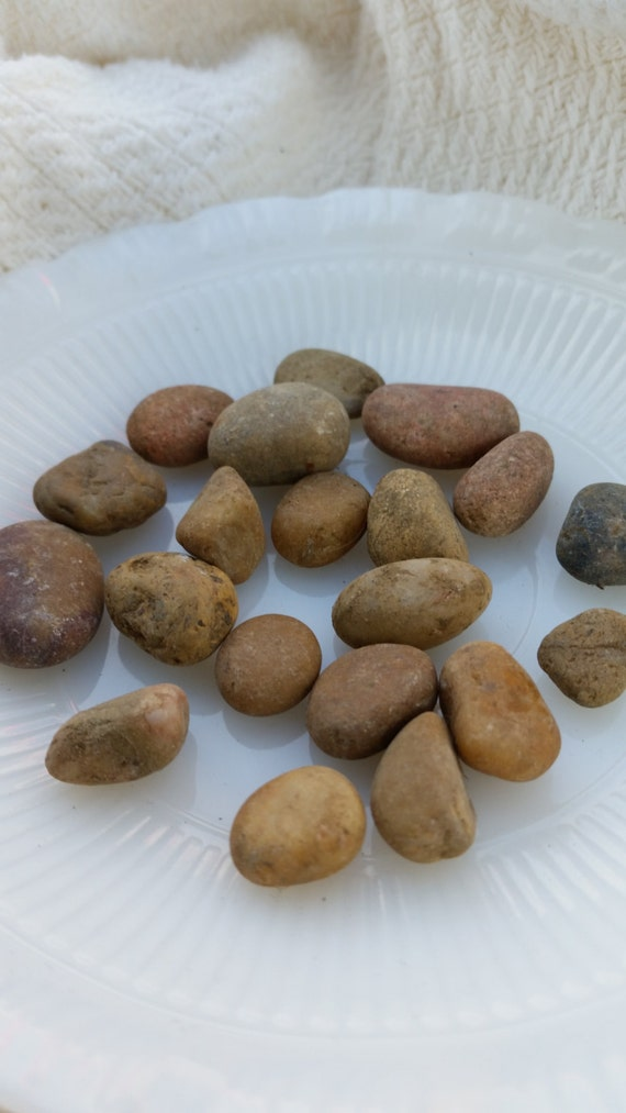 Small river rock pebbles from sticksandstonesetc on etsy for Small river pebbles