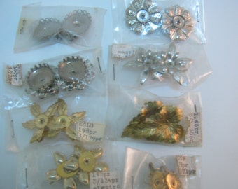 8 vintage pairs of earrings for you to create Silver and gold metal